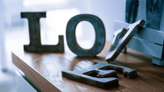 Décorez votre maison avec des lettres adhésives