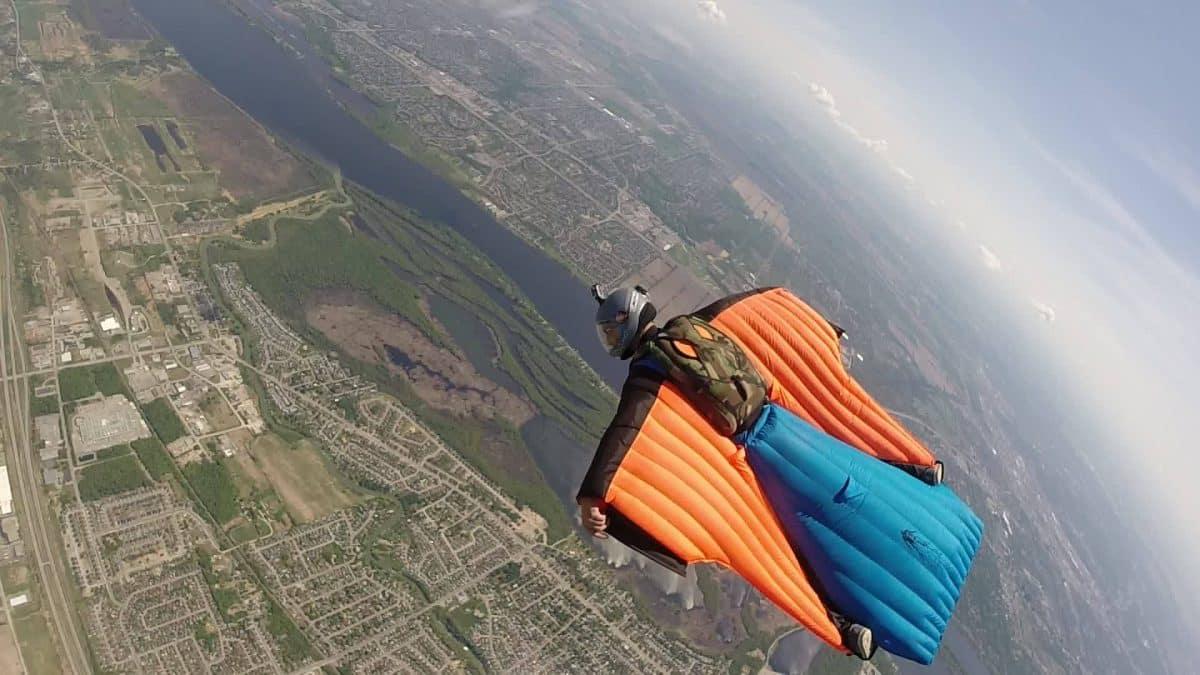 Voler en wingsuit pour avoir une sensation forte