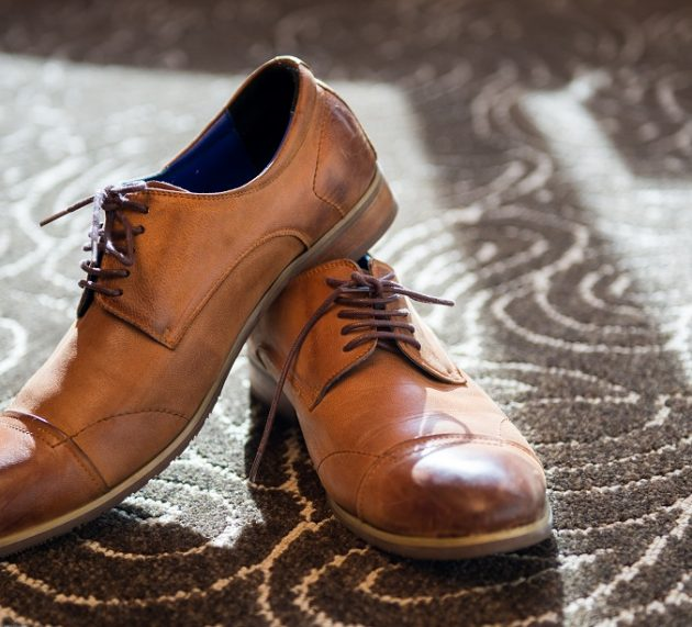 Est-ce que le cuir se détend chaussure ?