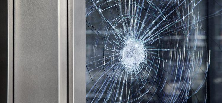 Vitre de fenêtre brisée : comment faire?