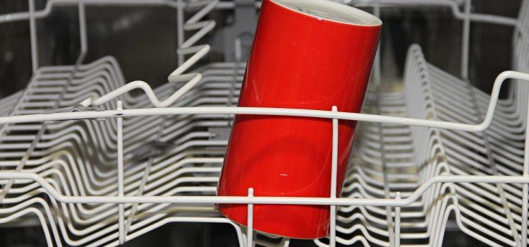 Lave vaisselle bouché : comment le déboucher ?