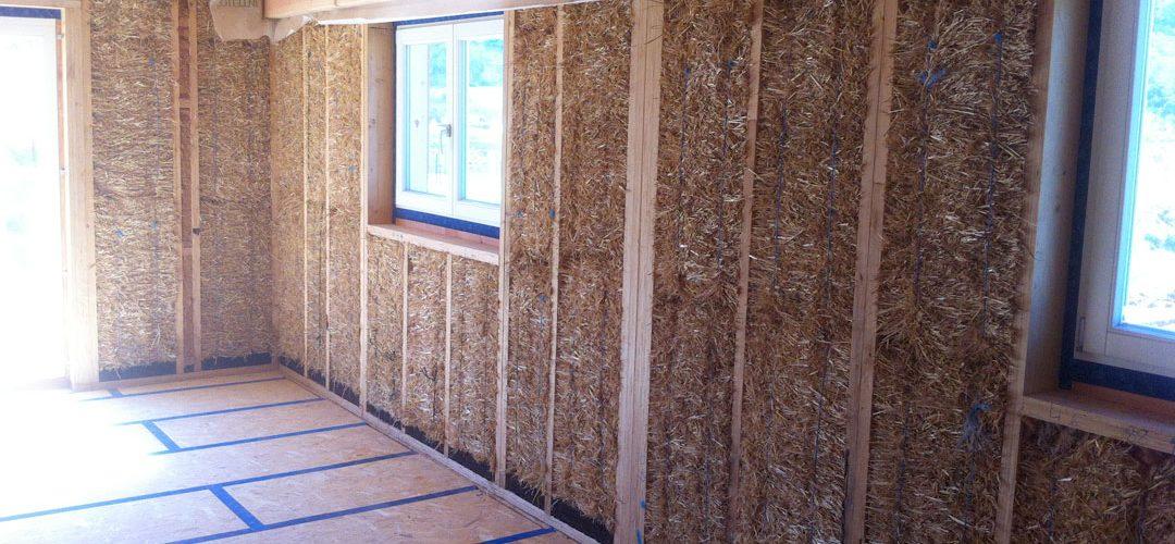 Quels sont les atouts de l'isolation en paille pour les maisons ?