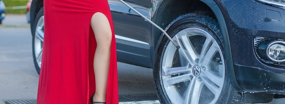 Quelle méthode choisir pour laver efficacement sa voiture ?