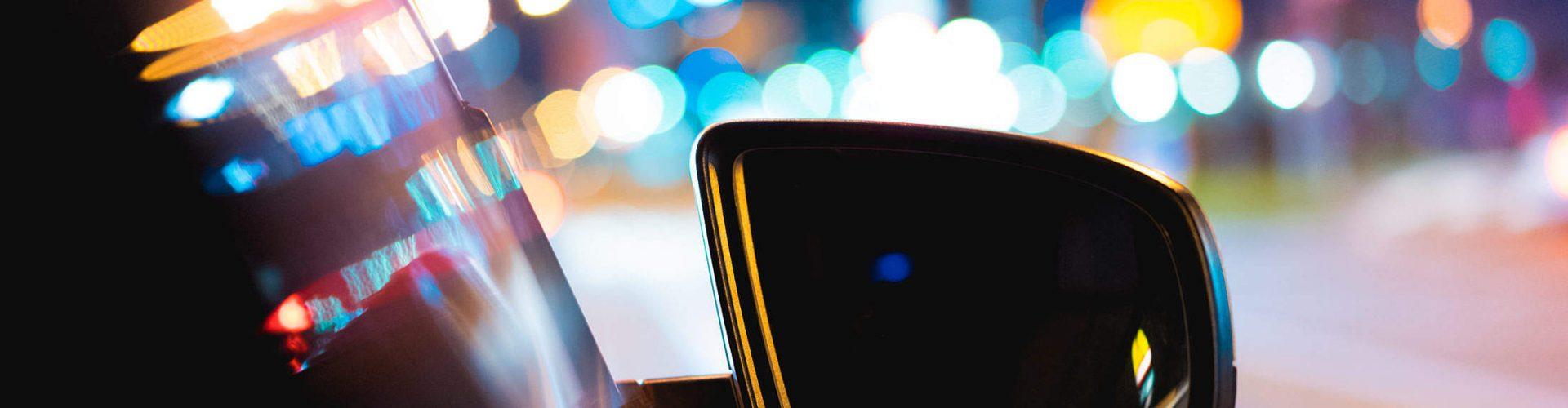 L'émergence d'acteurs relais essentiels, le mandataire auto et Internet